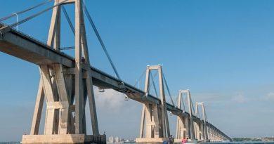 Puente Sobre el Lago Tu Reporte